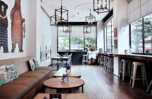 Wysokie pokoje, jak skutecznie wykorzystać przestrzeń
